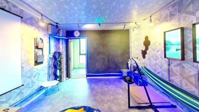 ドロンバ 4F VRスペースの室内の写真