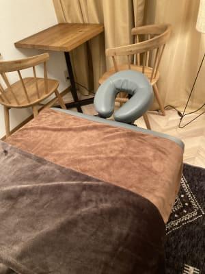ヘッドレスト付きベッド - レンタルサロン salon Lの室内の写真