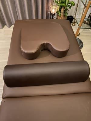 胸枕、足枕 - HANA ブラウンルーム ブラウンルームの設備の写真