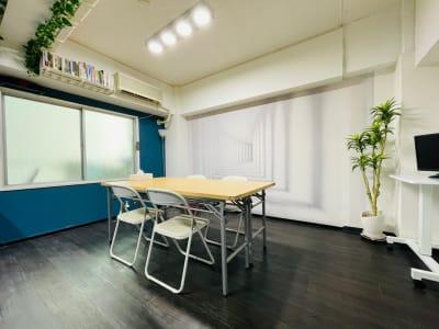 〈Books本通駅前〉会議室 会議室、トレーニングの室内の写真