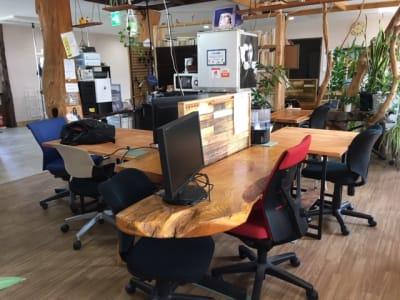 共有スペース - Somethin' ELSE フリースペース(共有スペース)の室内の写真