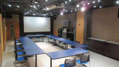 大銀河ホール ロの字スタイル 最大30名様 - 銀河ホール 貸会議室の室内の写真