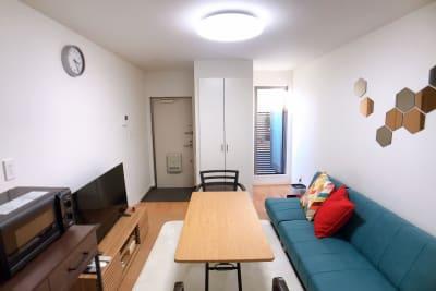 窓を開けても専用ポーチで目隠しがございます。 - ルームス ヒュッゲ 多目的スペースの室内の写真