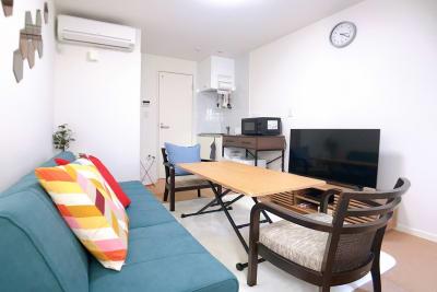 ソファベッドはセパレートタイプで二人用と一人用に分かれます。 - ルームス ヒュッゲ 多目的スペースの室内の写真
