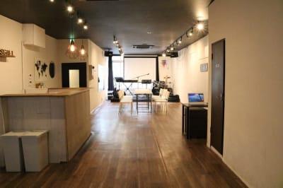 全体 - Jesus' Call 福岡 ◆カフェ風多目的スペース◆の室内の写真