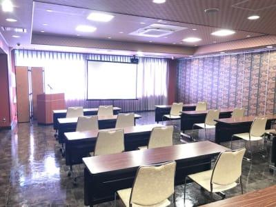 石原ビル レンタルスペース 貸し会議室の室内の写真