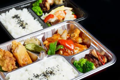 出来立ての中華弁当もご利用頂けます。 - 石原ビル レンタルスペース 貸し会議室の設備の写真