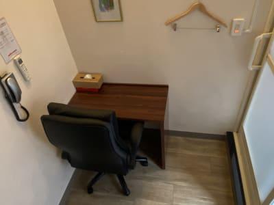 テレワークやリモート会議にお勧め! - ホテルストーク那覇新都心の室内の写真
