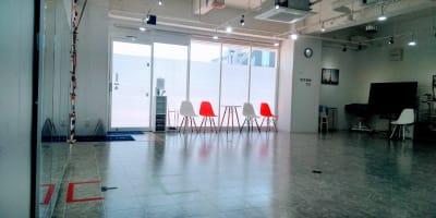 ダンス、演劇の練習に - フェリスアン スタジオ237 北館 多目的スペースの室内の写真