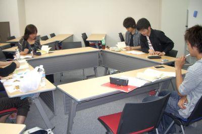 【栄・矢場町】キャリアクリエーション 個室会議室の室内の写真