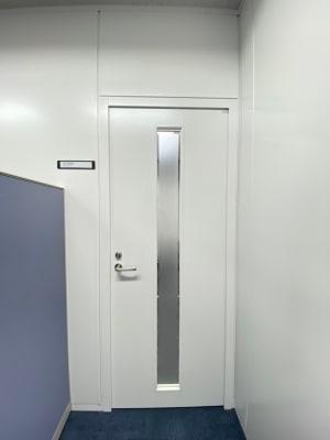 102の入り口扉 - タイムシェアリング秋葉原ISM 102の入口の写真