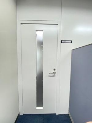 103の入り口扉 - タイムシェアリング秋葉原ISM 103の入口の写真
