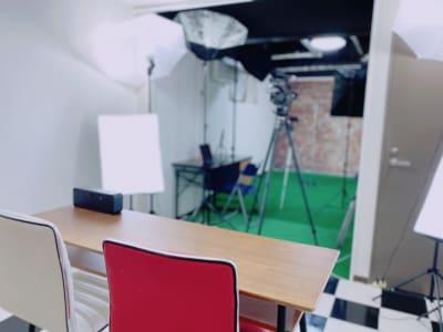 撮影スタジオ 同じ空間で2パターンの撮影が可能です - Star-Club 市ヶ谷 ENERGY STUDIOの室内の写真