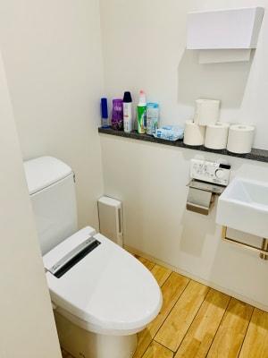 男性用トイレ内観 - 【多目的スペース】会議・撮影など 少しマリンな小部屋のその他の写真