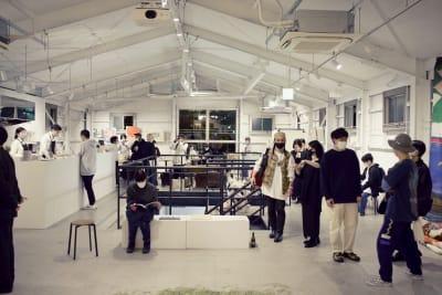 収容人数100名ほど。 - soko station 146 イベント・撮影スペースの室内の写真