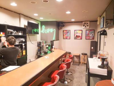 スペース内観② - KARAOKE DUMMY 元町駅近!カラオケ付貸切スペースの室内の写真