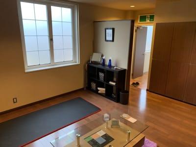 ヨガマット - シェアサロン Yutori サロンBの室内の写真