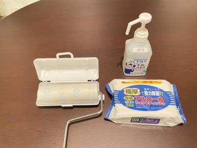 手指消毒液、セルフお掃除セット - テレワークブース 池袋 303の設備の写真