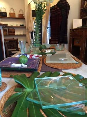 「バリ島在住ガラス作家の作品展示販売」イベント時。 -  FOUR DIRECTIONS レンタルスペースの室内の写真