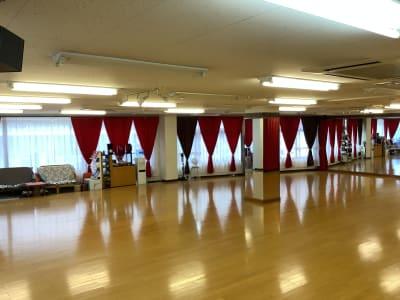 モノダンススタジオ ダンス 多目的フロアーの室内の写真