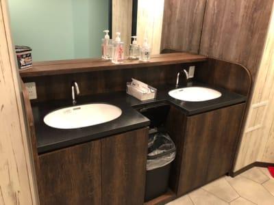 洗面台 - 道玄坂NETROOM1.st 安心安全鍵付完全個室のその他の写真