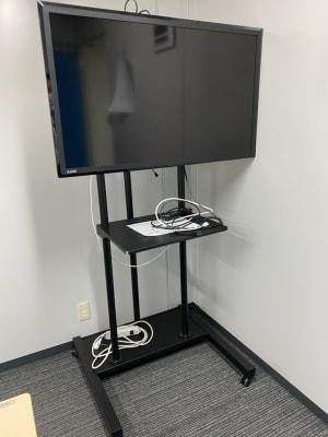 各会議室に、モニターは無料設置しております。 - 新橋駅前ビル(徒歩1分) 新橋駅前 第1・2・3小会議室の設備の写真
