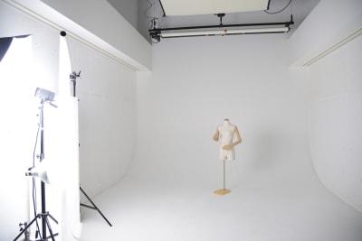有限会社水谷スタジオ 撮影スタジオの室内の写真