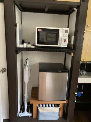 掃除機、冷蔵庫、電子レンジ、お使いください。 - てらこや maple 平屋古民家3LDKスペースの設備の写真