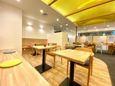 カフェラウンジをご利用いただけます。来客応対や待合スペースとしてもご利用いただいております。 - シェアオフィスURL 個室(オレンジ)のその他の写真