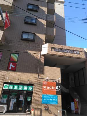グランジュテスタジオ ピラティススタジオの入口の写真