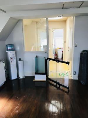 入口です。 - フォレストモモ セミナールームの室内の写真