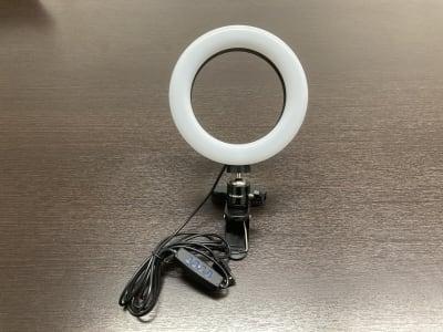 リングライト(PC等USB給電ができるものをお持ち込みください) - 渋谷ワールド宇田川ビル 会議室 1人半個室 RoomG(7F)の設備の写真