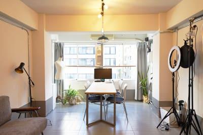 長方形の使いやすいスペースとなっております。 - キブンシツ蔵前 レンタルスタジオ蔵前の室内の写真