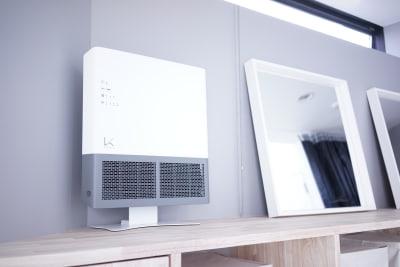 99.9%の除菌効果のあるKALTECHの空気清浄機を常時使用しています - ギャラリー+スタジオ COMMU 【レッスン利用】スタジオの設備の写真