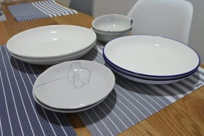お皿各2枚ずつ有り🍽 - 福岡レンタルスペース レコ天神 シンプルな多目的レンタルスペースの設備の写真