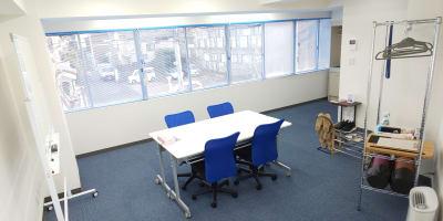 全体像1 - レンタルスペースひだまり 会議/教室/サロン/撮影/ヨガの室内の写真