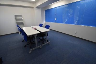 ブラインド閉められます - レンタルスペースひだまり 会議/教室/サロン/撮影/ヨガの室内の写真