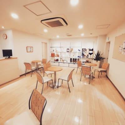 1階フロア・カウンセリングスペース - サラダ自由が丘本店 サロンスペース、個室タイプのその他の写真