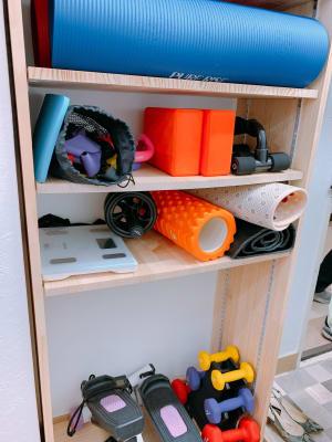 体重計もあります。 - Nスタジオ博多 ジム&ダンススタジオの室内の写真