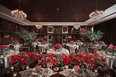 宝石の女王とも言われるルビーの輝きをイメージした「RUBINO(ルビーノ)」 - カノビアーノ福岡 ルビーノ(パーティー会場)の室内の写真