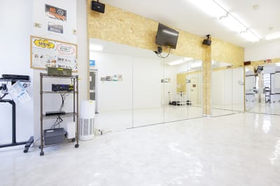 スタジオブーン久留米 (k03)24時間サロンスペースの室内の写真