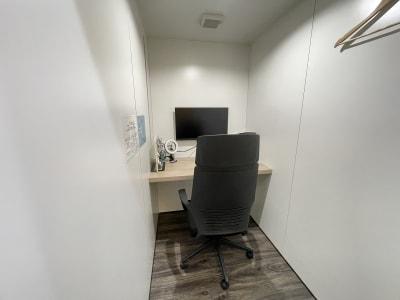 TIMESHARING渋谷宮益坂 テレワークブースA(大)の室内の写真