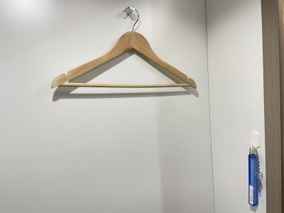 コート掛け、シリンダーキー - TIMESHARING渋谷宮益坂 テレワークブースB(小)の設備の写真