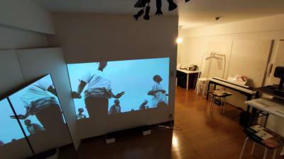 ダンス動画を観ながら練習もできます - Space Channel 7 清潔・多目的にお使いいただけますの室内の写真