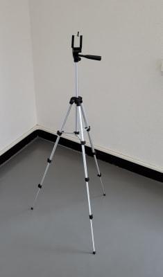 動画撮影用の三脚は無料でお使いいただけます。 - スタジオ白猫屋 調布店 調布ダンススタジオの設備の写真