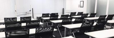 新宿・渋谷・代々木エリア 激安会議室 - ONE DAY OFFICE TOKYO 【朝会大人気】4階会議室Ⅰの室内の写真
