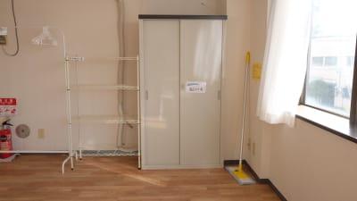 定期利用の方には、備品置き場も用意しております。 - 大宮とらのスタジオの設備の写真