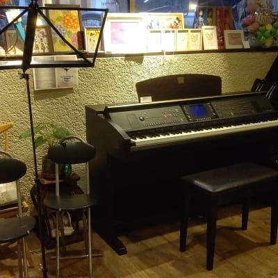 電子ピアノ - 上本町四つ葉カフェ 多目的スペースの設備の写真