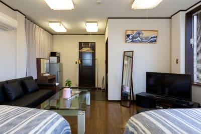 ゴロゴロスペース×2 ソファー - oasis上野 TVゲーム🎮ボドゲ✨映画 上野の室内の写真