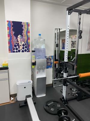 アートGYM西新宿 駅近パーソナルトレーニング施設の室内の写真